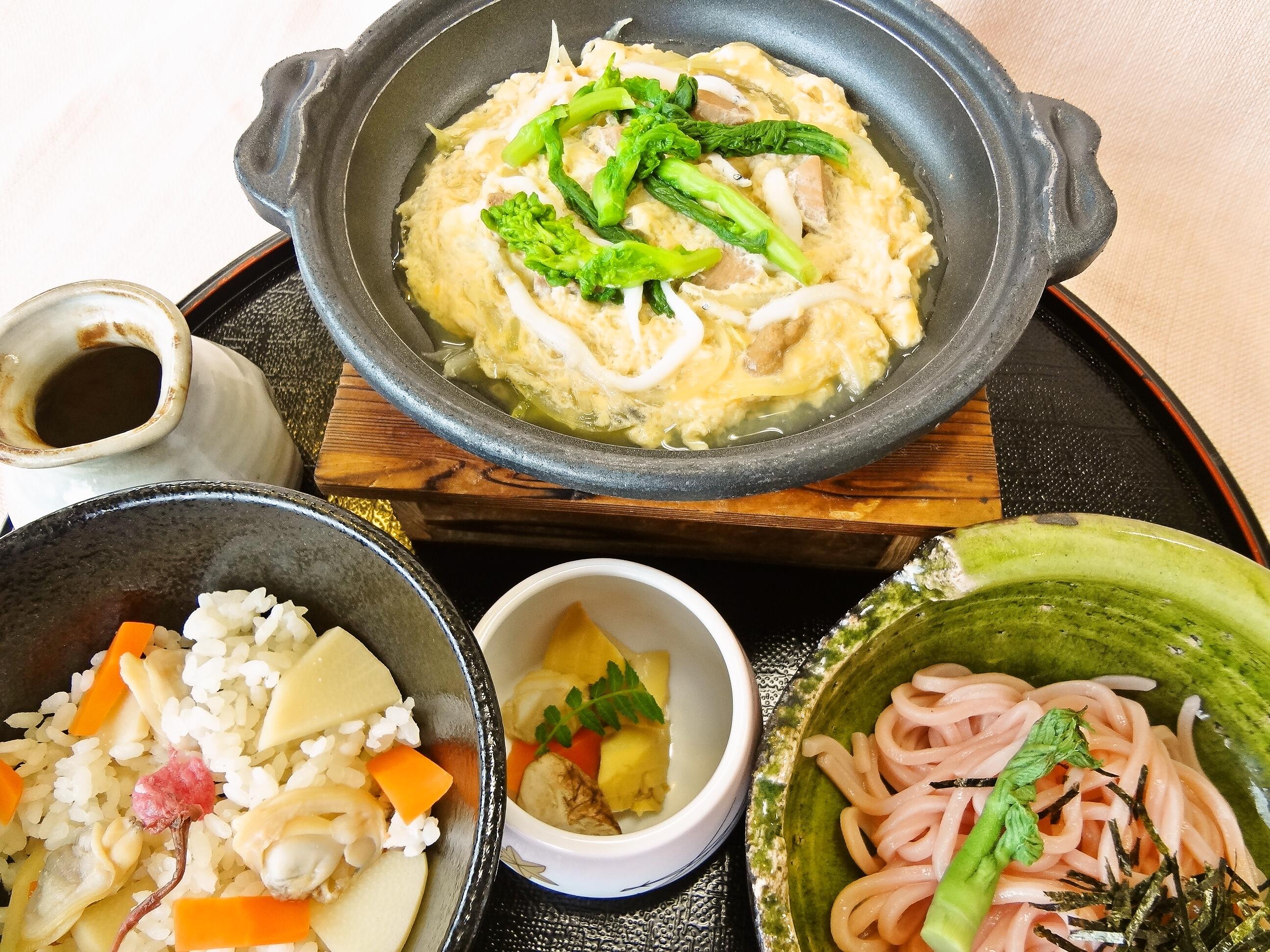 白魚と岡山鶏煮膳1250